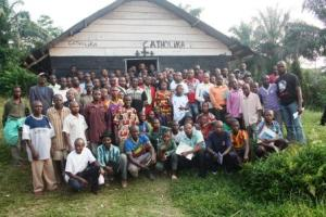 A family photo of after the workshop of the establishment of the CCGC in Bakondjo group